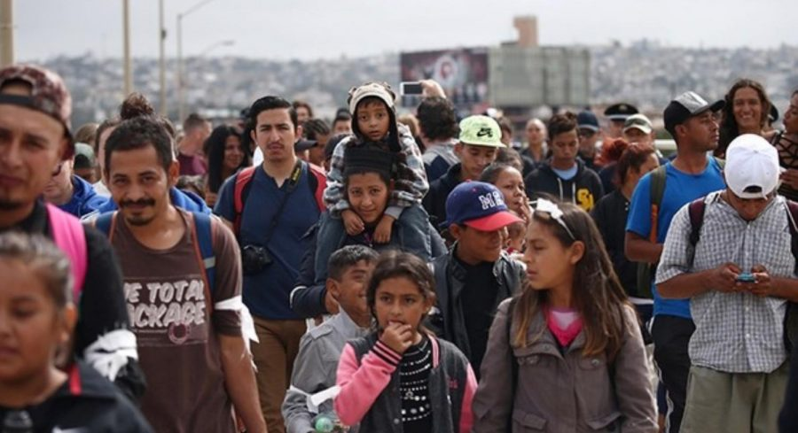 Migrants+from+Central+America+walk+toward+a+better+life.+
