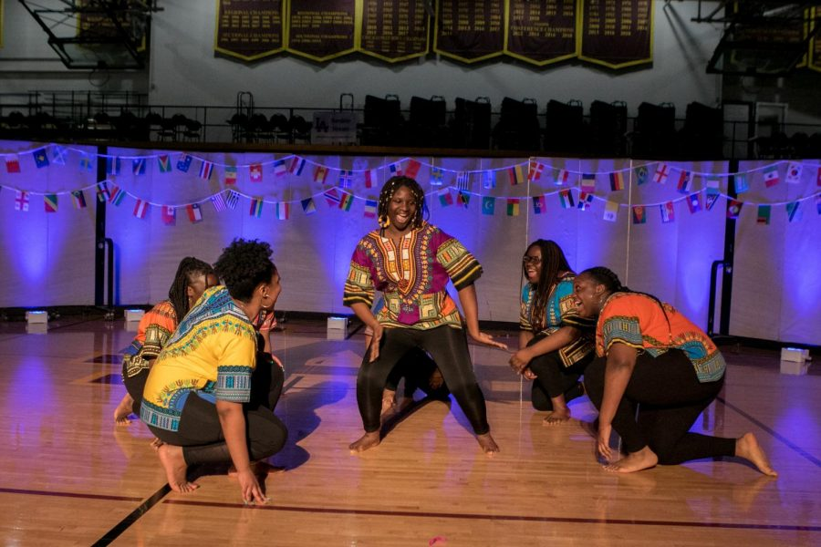 AAYG+performs+a+traditional+dance+for+I-Night.+The+evening+showcased+the+diverse+student+groups+at+Loyola.+